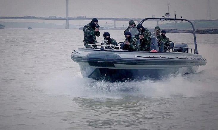 高速海巡艇